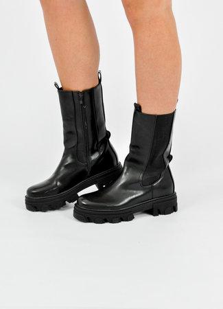 Cait boots black