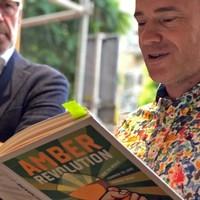14 juni 2019 | Welcome to the Amber Revolution. (Je eigen) orange wijnen proeven en boekpresentatie met Simon Woolf.