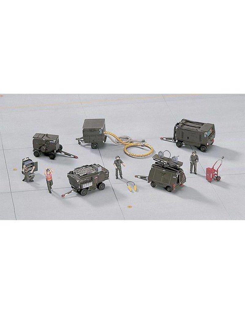 HASEGAWA 1/72 1/72 Ground Equipment Set