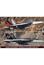 HASEGAWA 1/72 1/72 FA 18EF Super Hornet, USSNimitz, 2 Bausätze