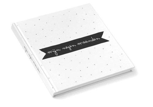 Kidooz Kidooz 'mijn negen maanden boek zwart/wit'