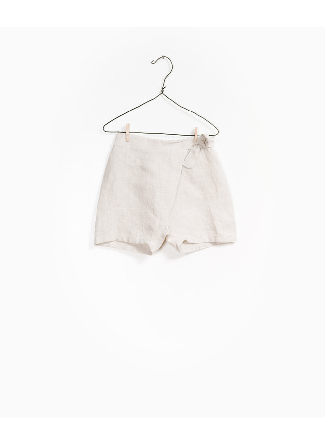 play up shorts linen sand