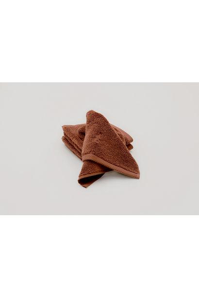 Garbo & Friends face towel cinnamon