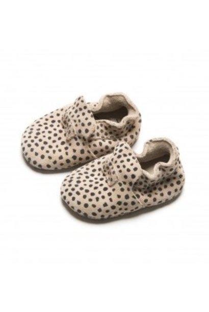 Mavies first steps speckle sand