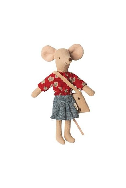 Maileg big sister mouse mum