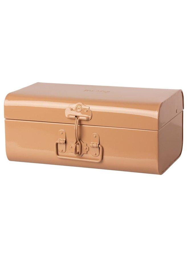 Storage suitcase powder medium