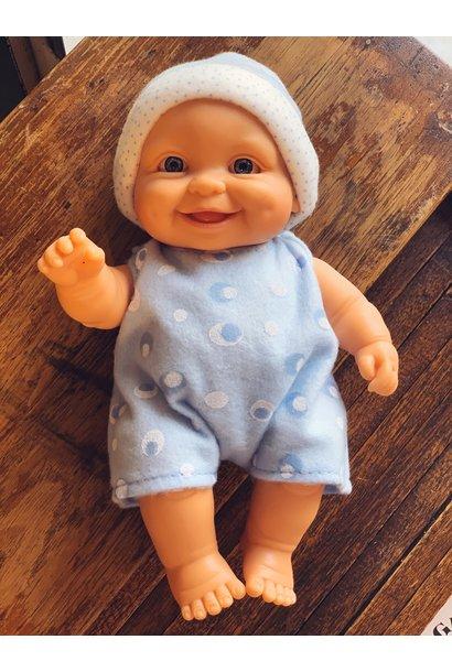 Paola Reina puppegie jongen met blauw pakje