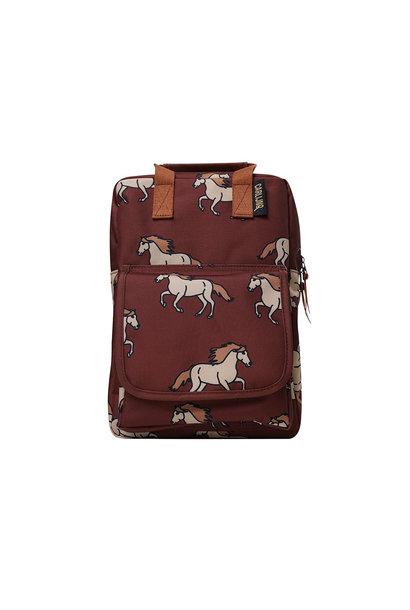 CarlijnQ backpack wild horses