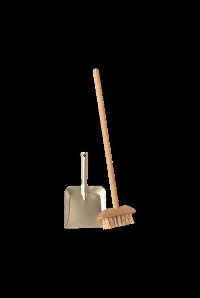 Maileg miniature broom set