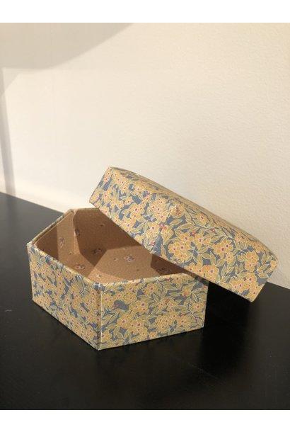 Konges Slojd padded box medium winter leaves mustard