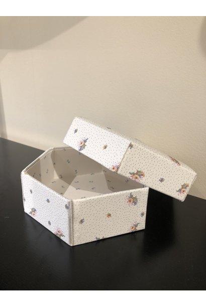 Konges Slojd padded box medium flower bouquet