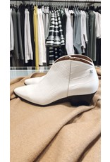 Lage boots SVNTY croco offwhite