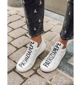 Sneakers Patrizia Pepe wit + logo zwart