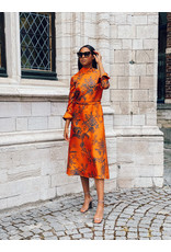 Natan Lang kleed Natan oranje print zijde