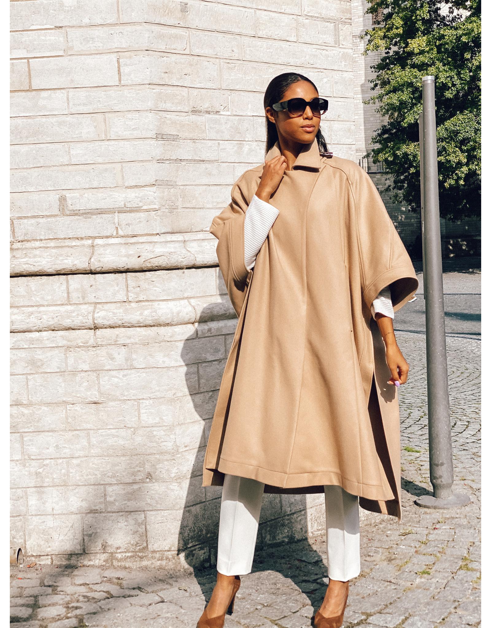 Natan Mantel/cape Natan camel