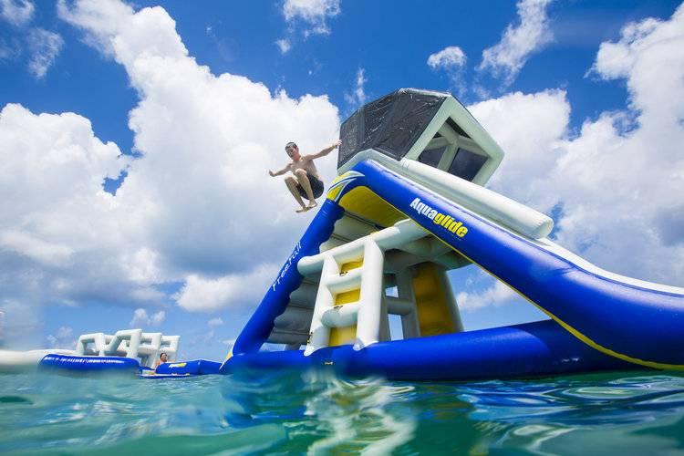Freefall Supreme - Climbing ladder