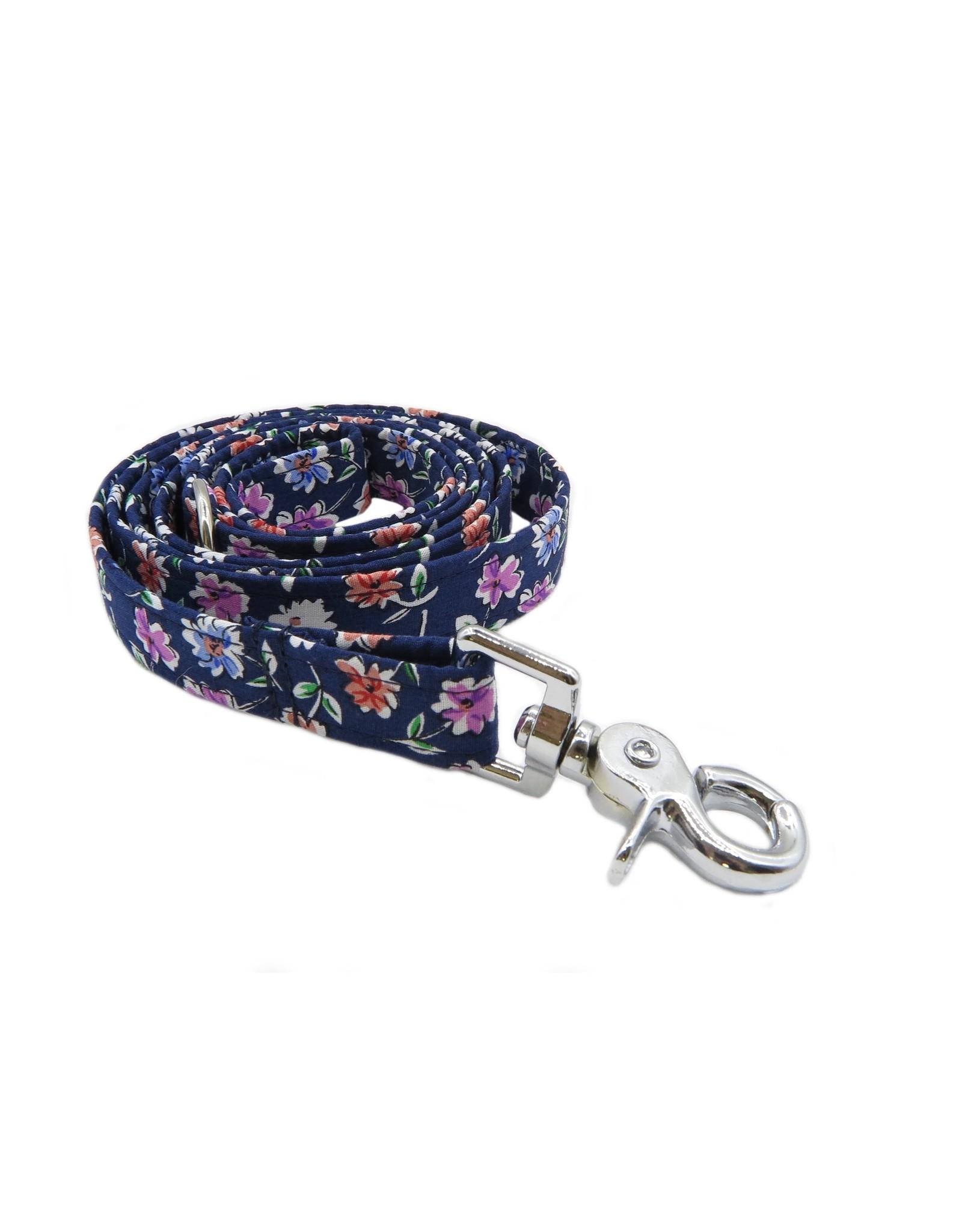 Daisy leash
