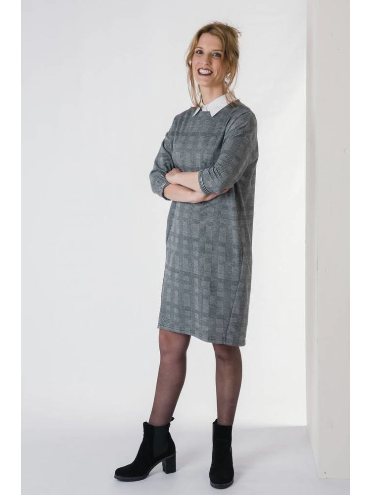 IVY LINN GOZO DRESS GREY CHECK