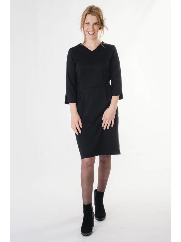 IVY LINN ANNA DRESS BLACK