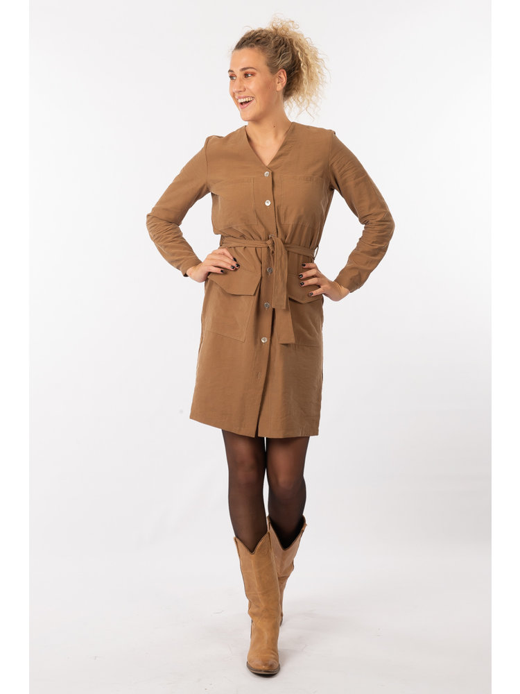 IVY LINN SUSAN DRESS CAMEL