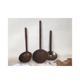 Varios Old Iron Spoon