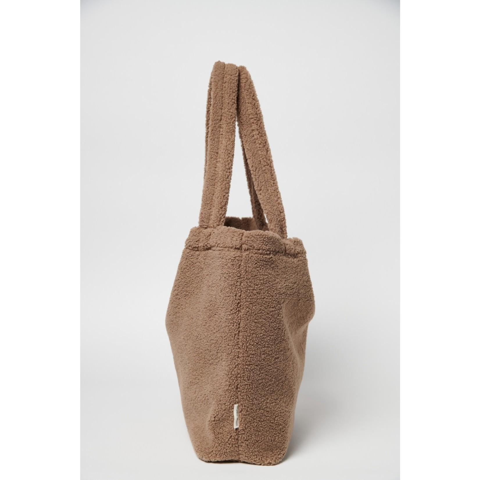 Studio Noos Brown chunky teddy mom-bag | Studio Noos