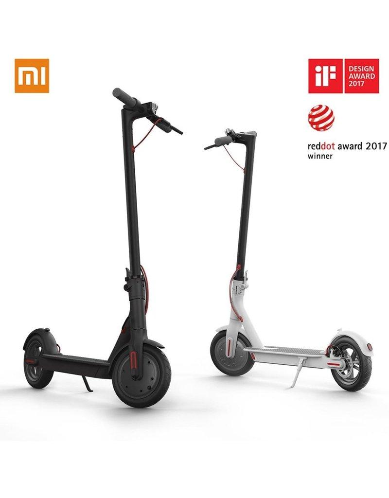 Xiaomi Xiaomi M365 Elektrische E-Step EU VERSIE met 2 reserve banden - Zwart - Electric Scooter
