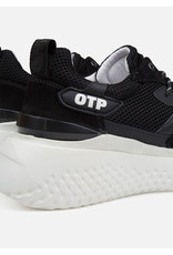 Off The Pitch OTP Crunch Runner Black