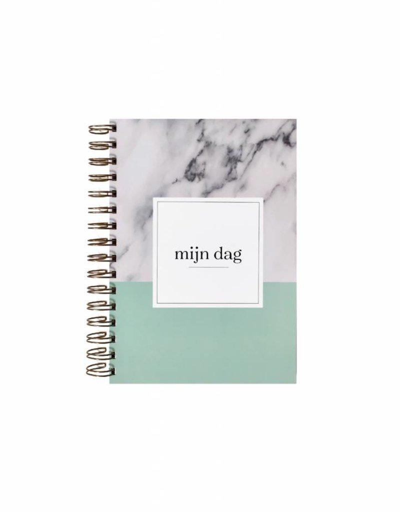 KDV / crèche / oppas / gastouder  boek (marmer  print  mint)