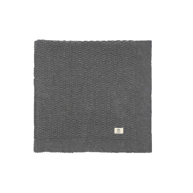 Grijze deken met streepjes