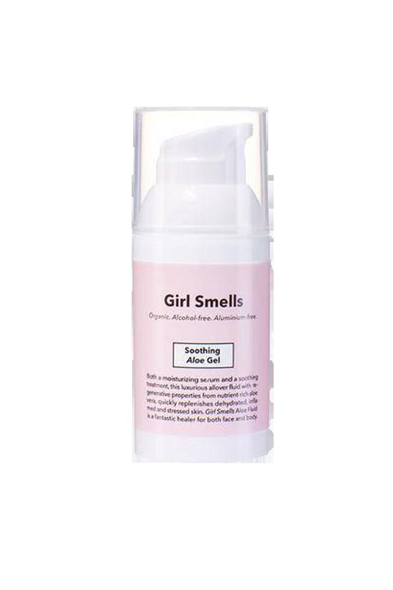 Girl Smells Soothing Aloë Vera gel | Beautsy