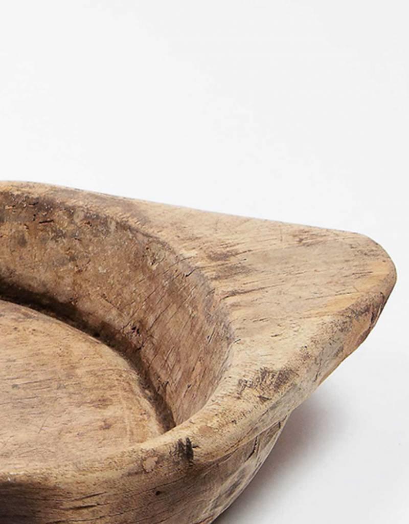 Grote houten schaal met handvat