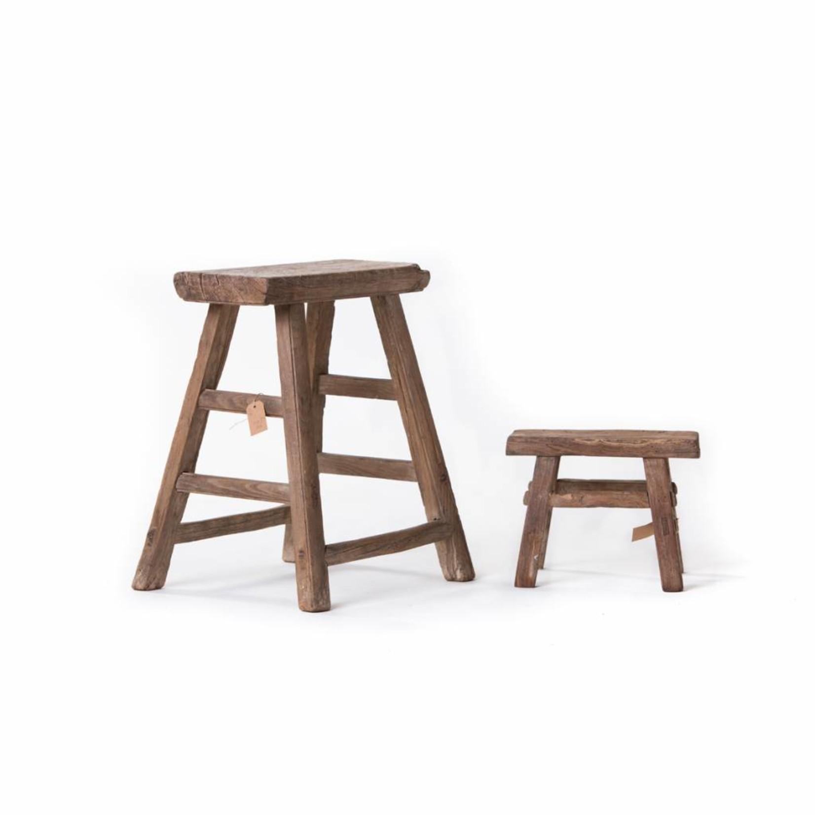 Prachtige set van oude houten kruk en kleine melkkrukje(s)