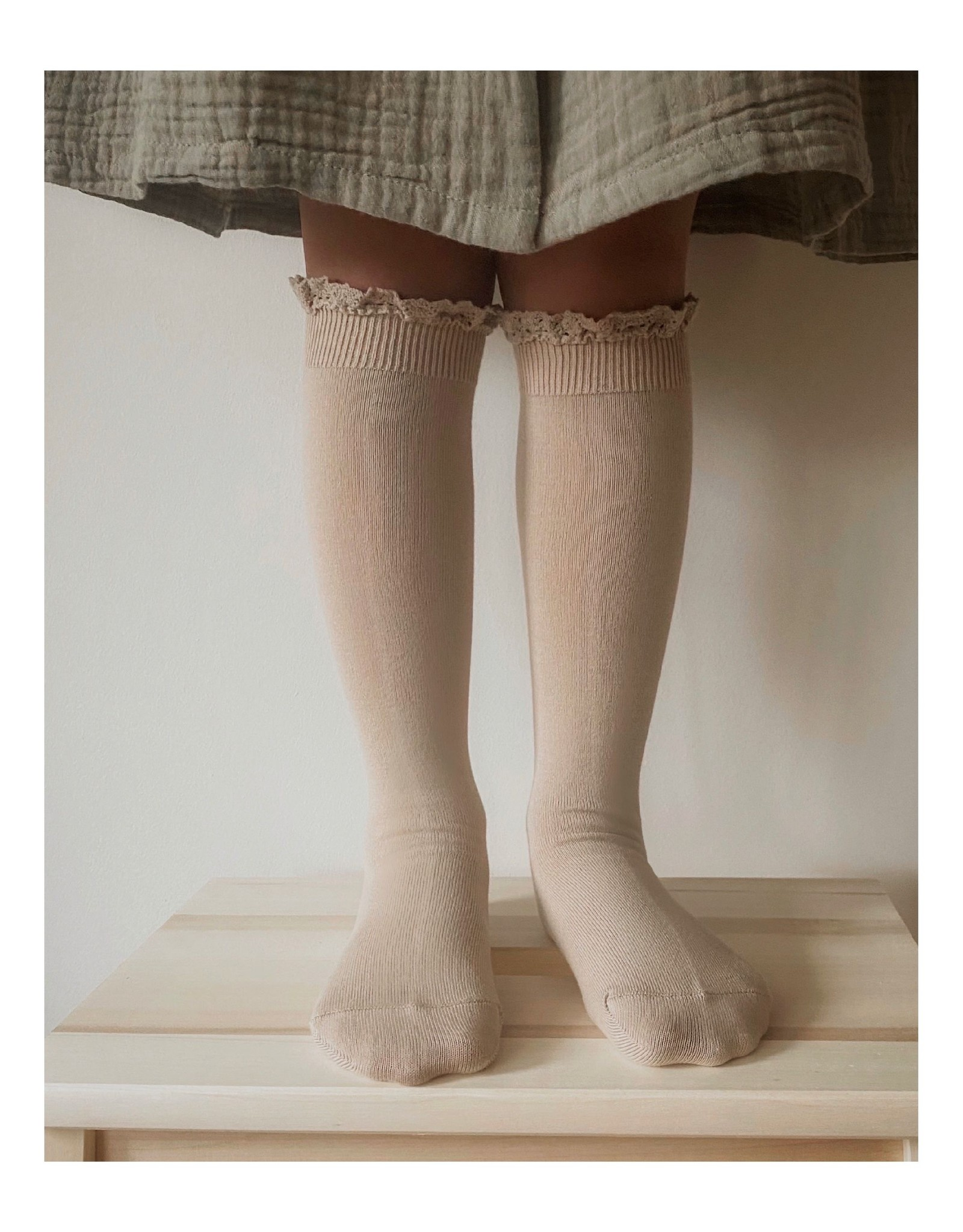 CONDOR Stone Lace Edging Knee Socks