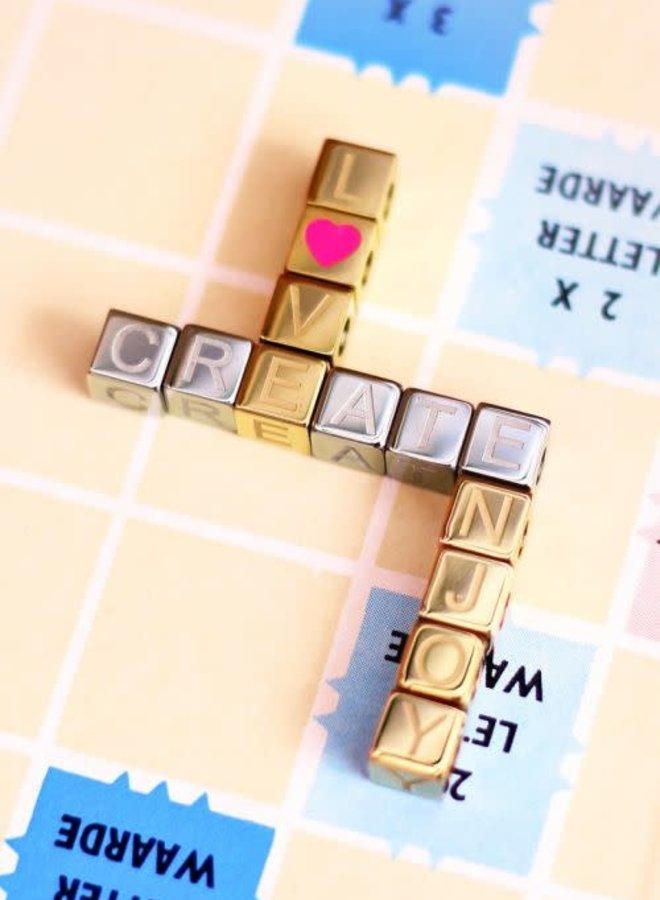 Cubes bedel initiaal
