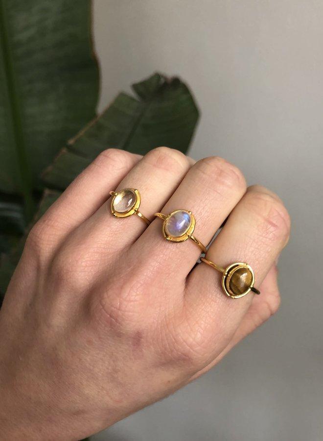 Moonstone Fever ring gold