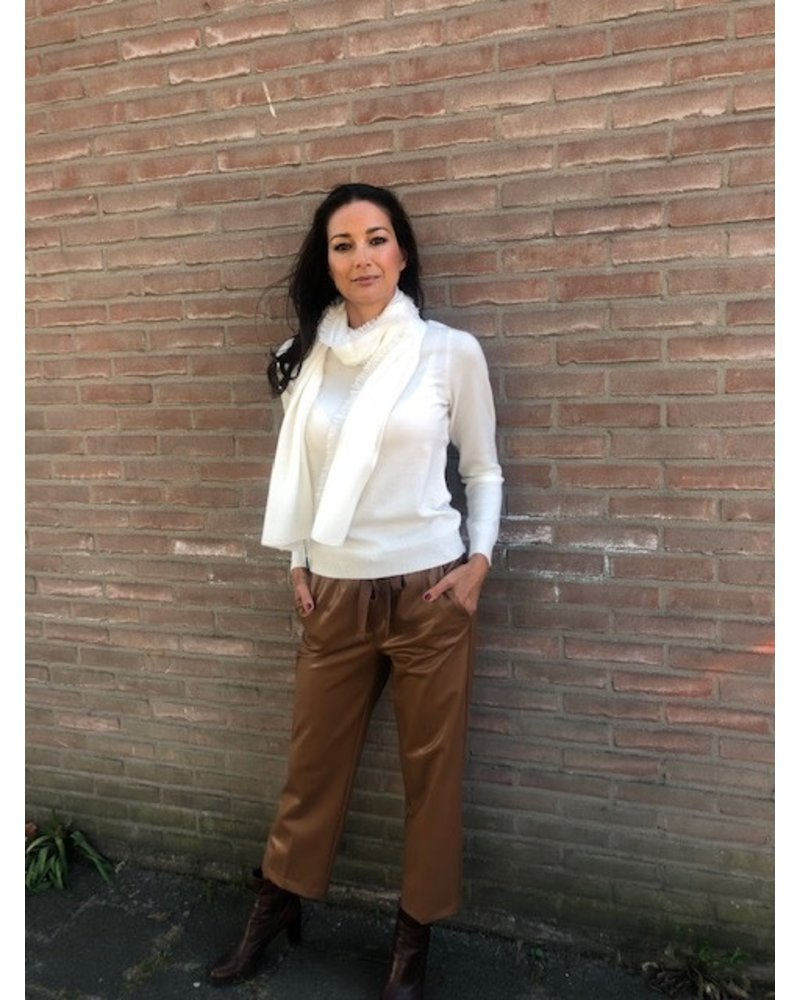 REPEAT cashmere REPEAT cashmere boothals trui cream