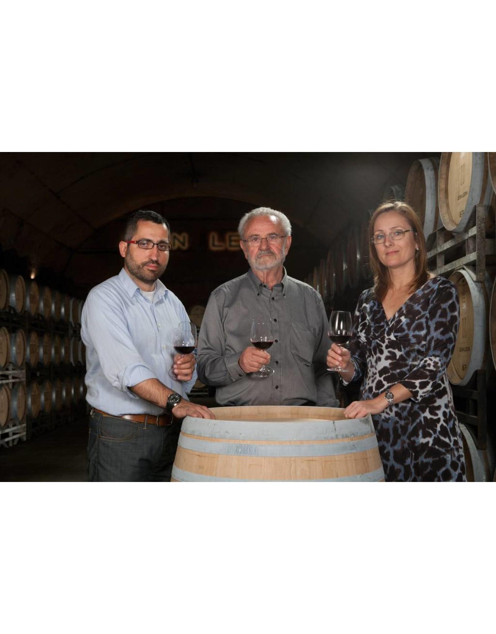 Torres Gemaakt van de steeds meer 'populaire' Albarinho druif, de Koningin van Spanje genoemd.  | Perfecte aanvulling voor de wijnkaart, door zijn bijzondere herkomst.  | Eerste Albariño wijn van Torres en is een eerbetoon aan de folklore en natuur van Galicië.
