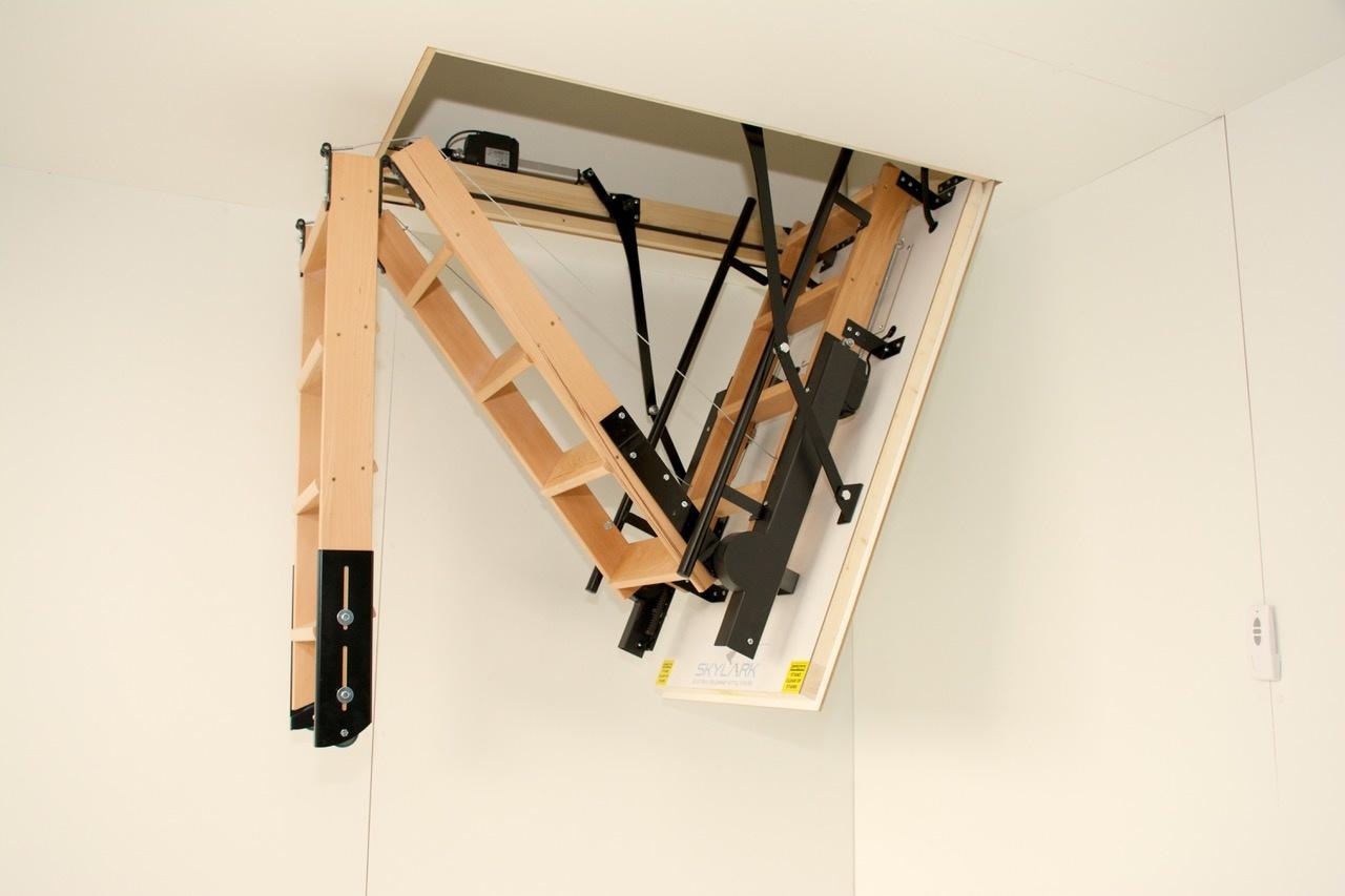 Skylark Elektrische Bodentreppe