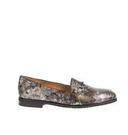 Square Feet Square Feet dames kaki groen leren loafer met multi colour bloem print
