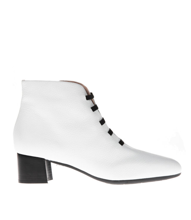 Square Feet Square Feet short zip boot white bands