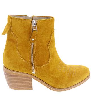 Lazamani Lazamani ladies western boots yellow suede