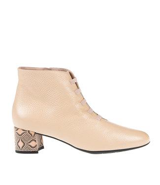 Square Feet Square Feet  korte ritslaars elastiekjes pink