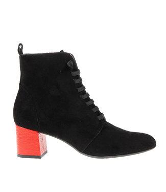 Square Feet Square Feet korte veterlaars zwart met rode hak