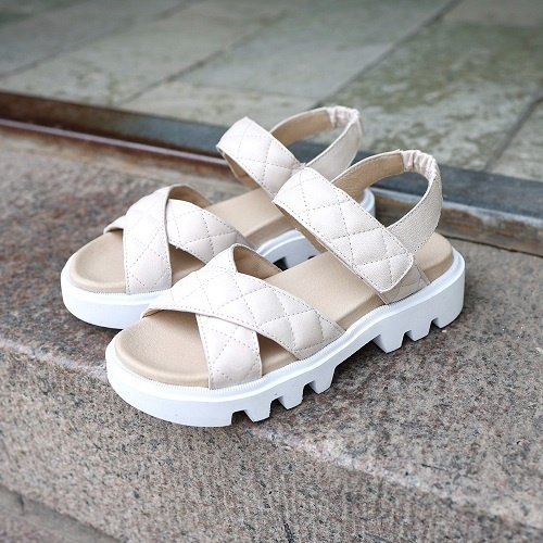 Chunky sandals. Lelijk Chic schoeisel?!