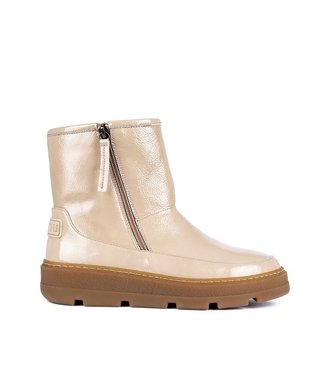 Unisa Unisa lambswool lined boots patent leather