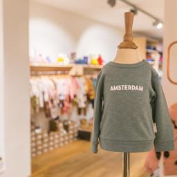 Babykleding die duurzaam en eerlijk is koop je bij Broer en Zus. Kom langs in onze winkel in Amsterdam of shop online.