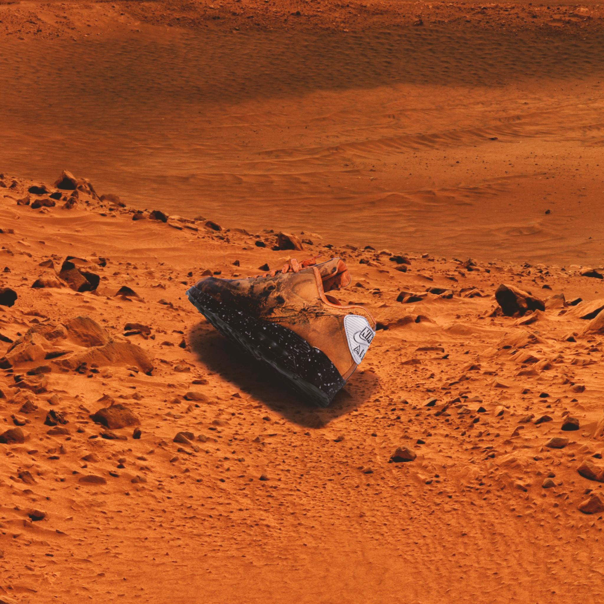 NIKE AIR MAX 90 QS 'MARS LANDING'