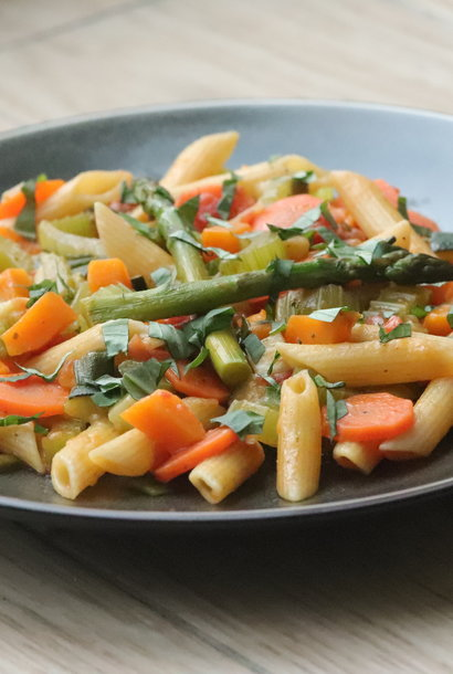Penne sauteed with vegetables