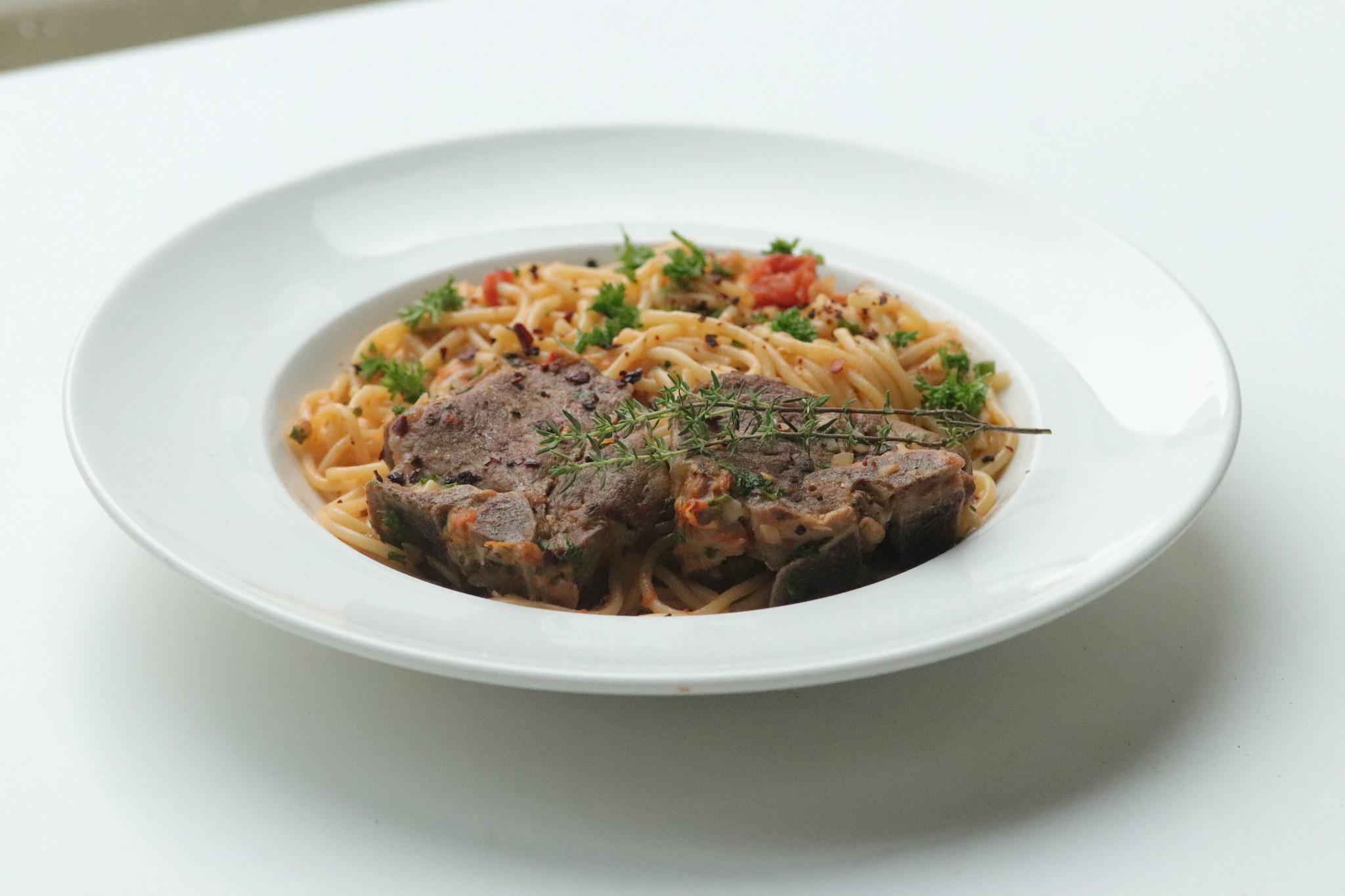 Spaghetti and Lamb with white wine-1